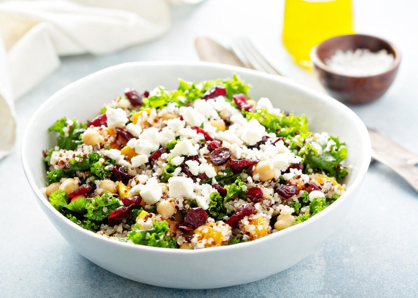 Salada de quinoa agridoce