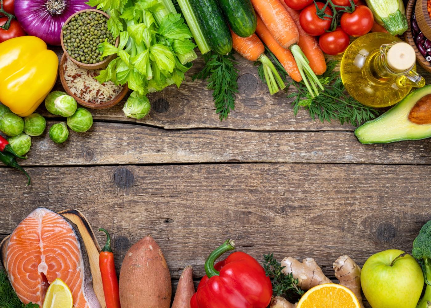 Variedade de alimentos caraterísticos da dieta Atlântica