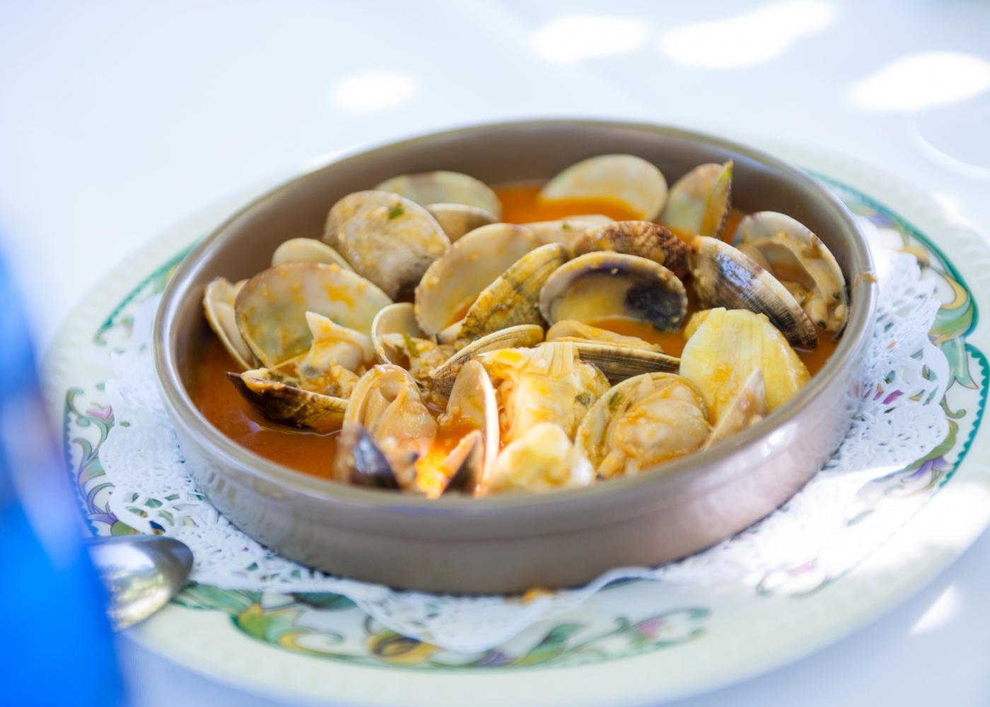 Amêijoas cozidas com molho
