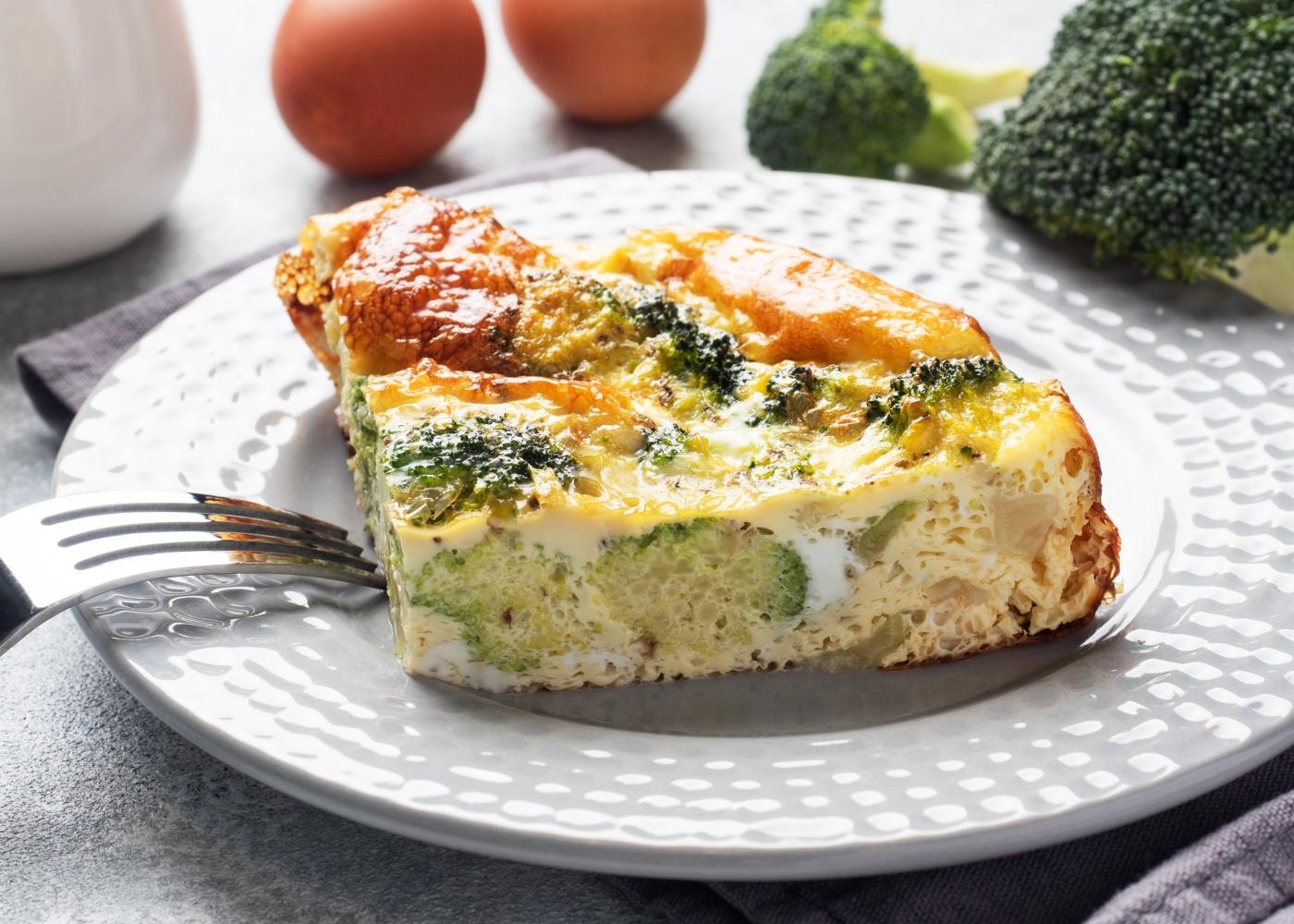 fatia de tarte de brócolos