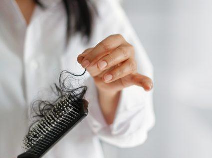 COVID-19 pode causar queda de cabelo