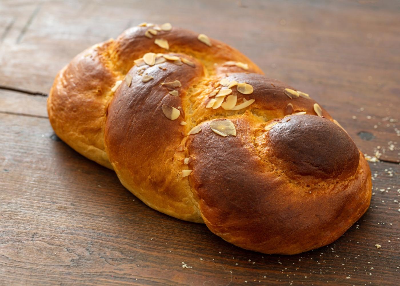 Pão trançado com espelta
