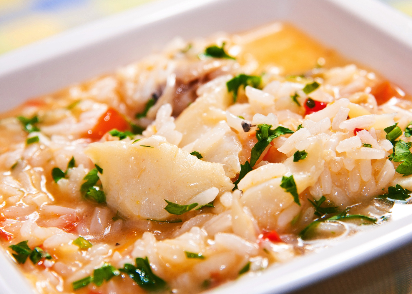 Arroz de bacalhau simples servido num prato