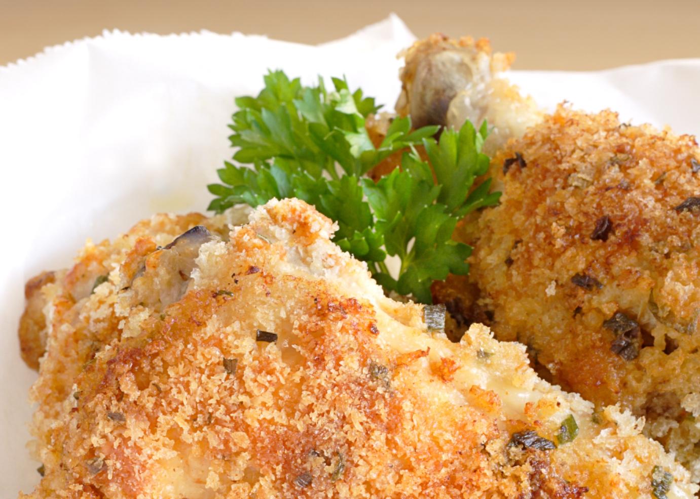 Coxas de frango panadas com ervas e papoila