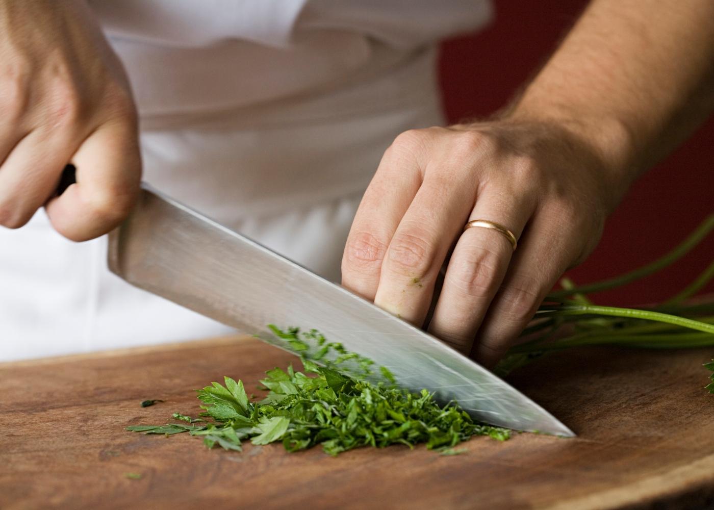 cozinhar com ervas aromáticas