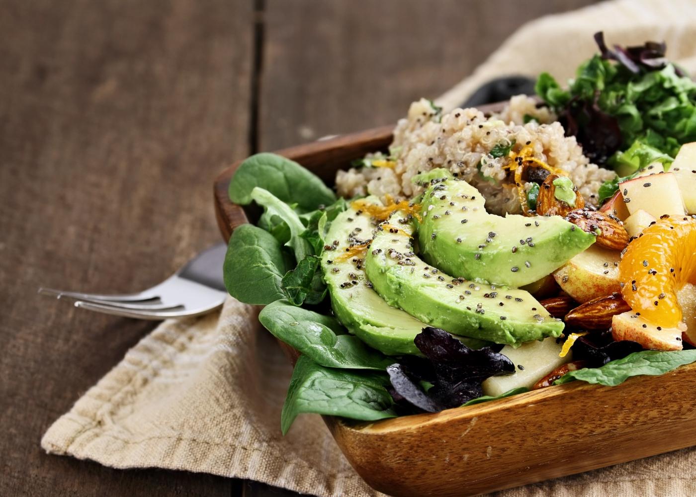 Salada de quinoa com laranja