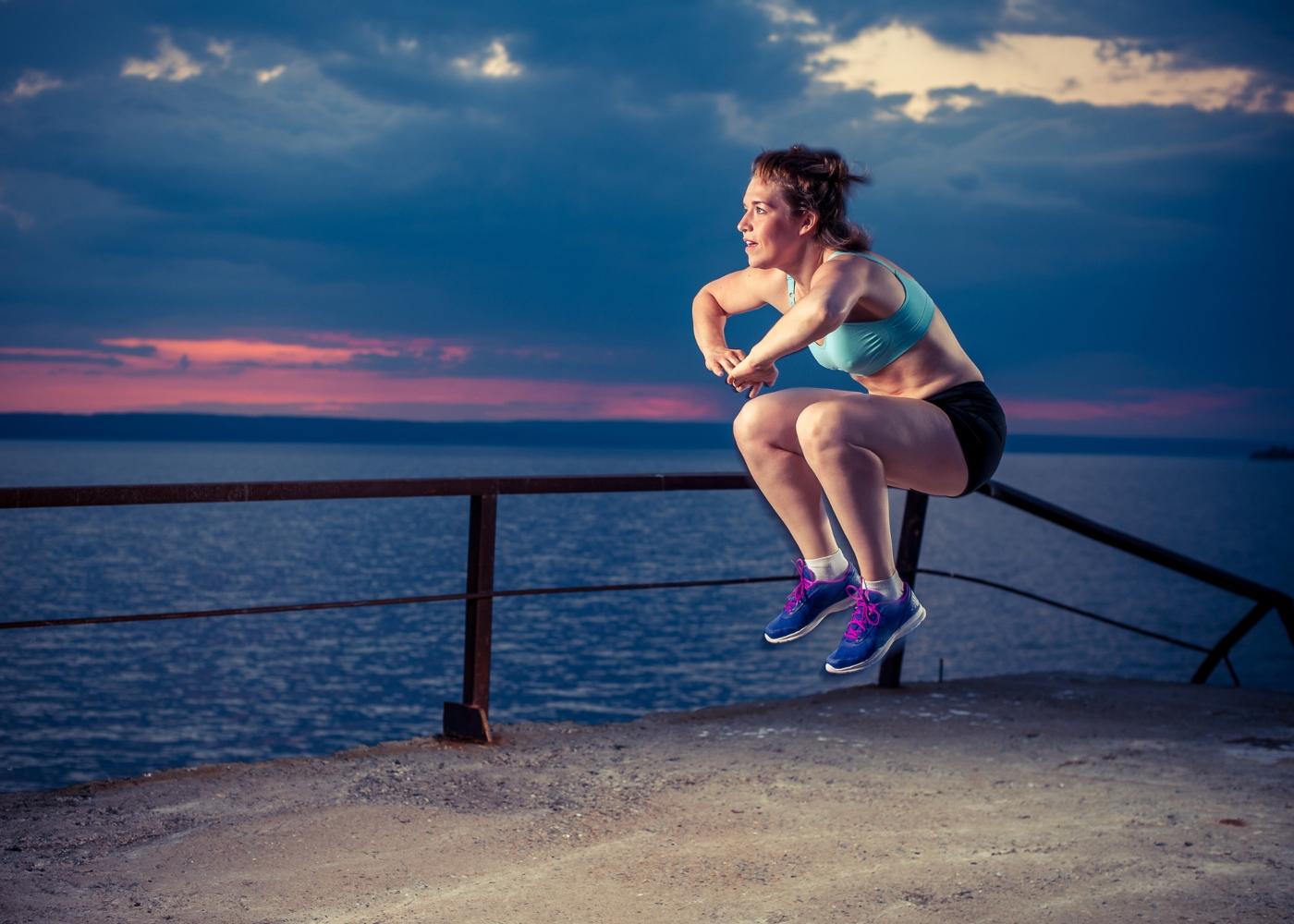 Mulher a treinar salto vertical
