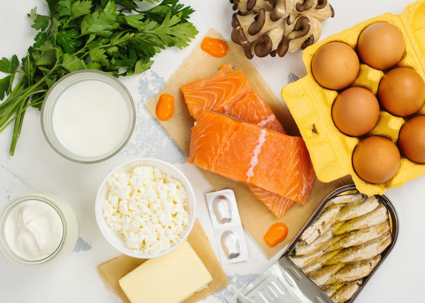 Variedade de alimentos ricos em vitamina D