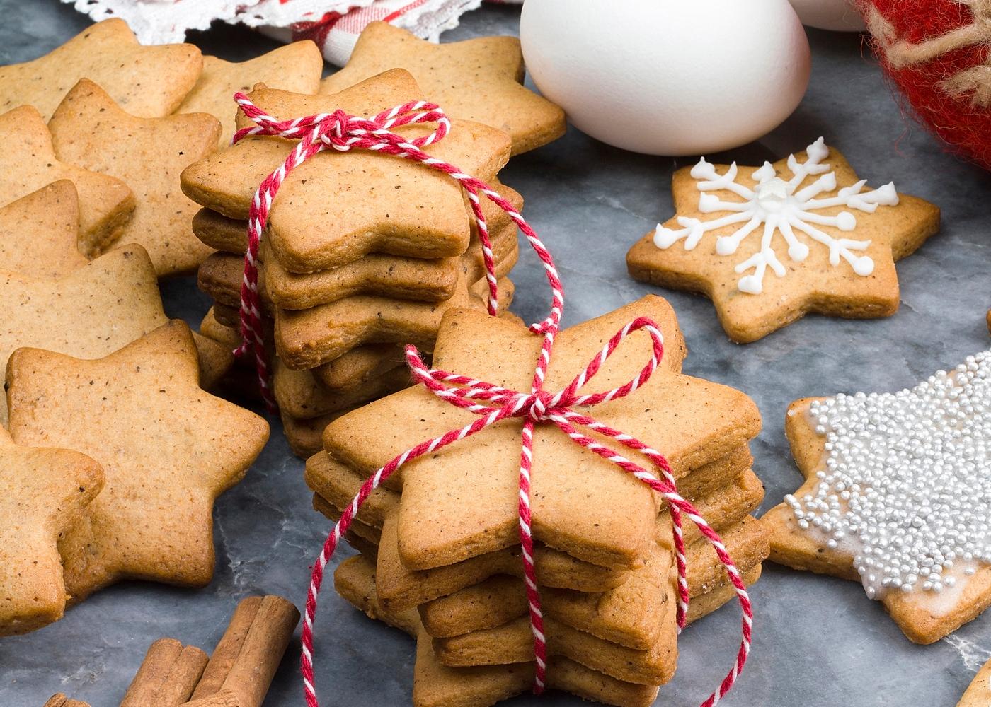 Massa simples de trigo e manteiga para bolachas de Natal