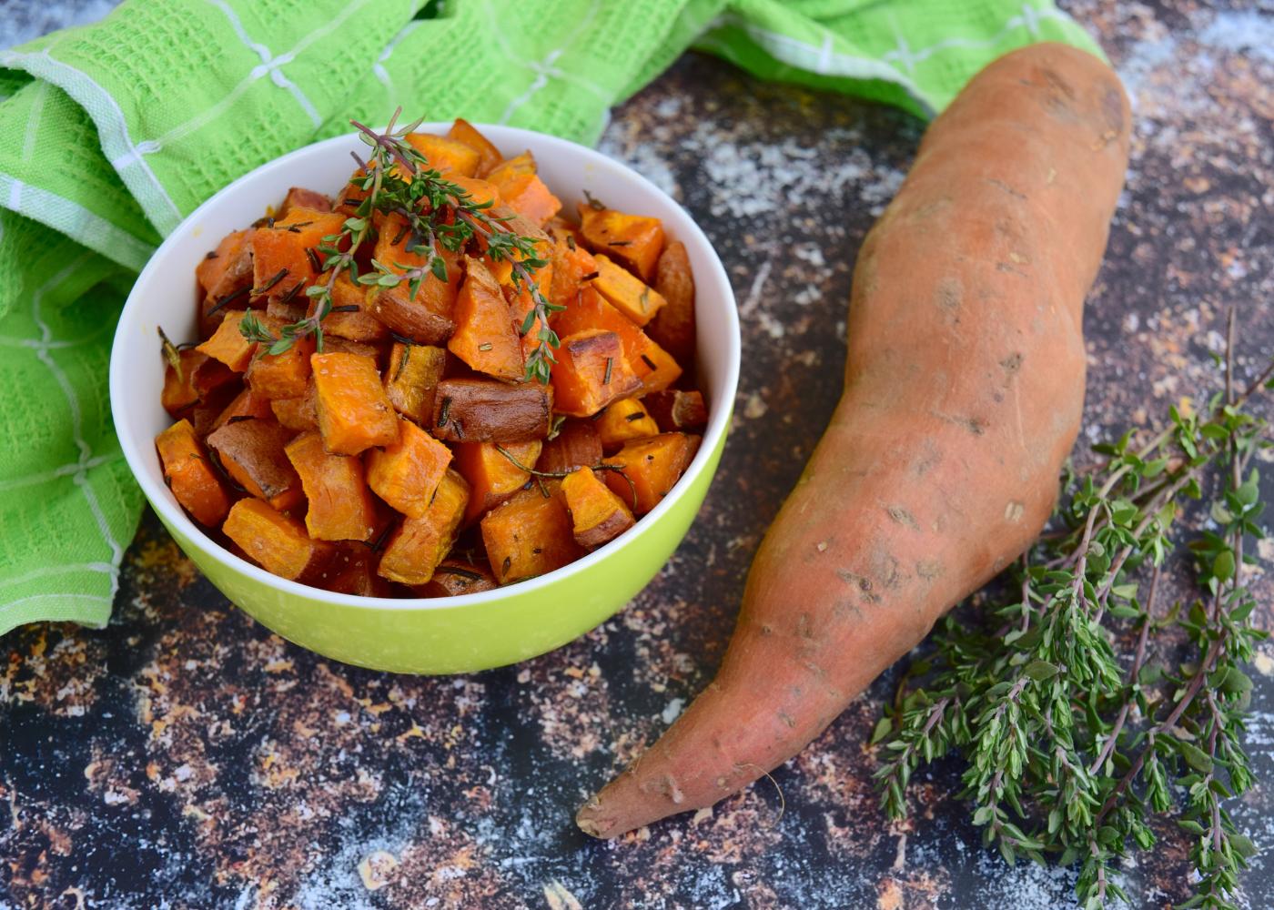tigela com batata-doce cozida