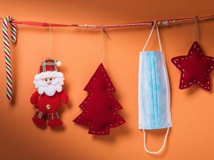 Decorações de Natal e máscara de proteção