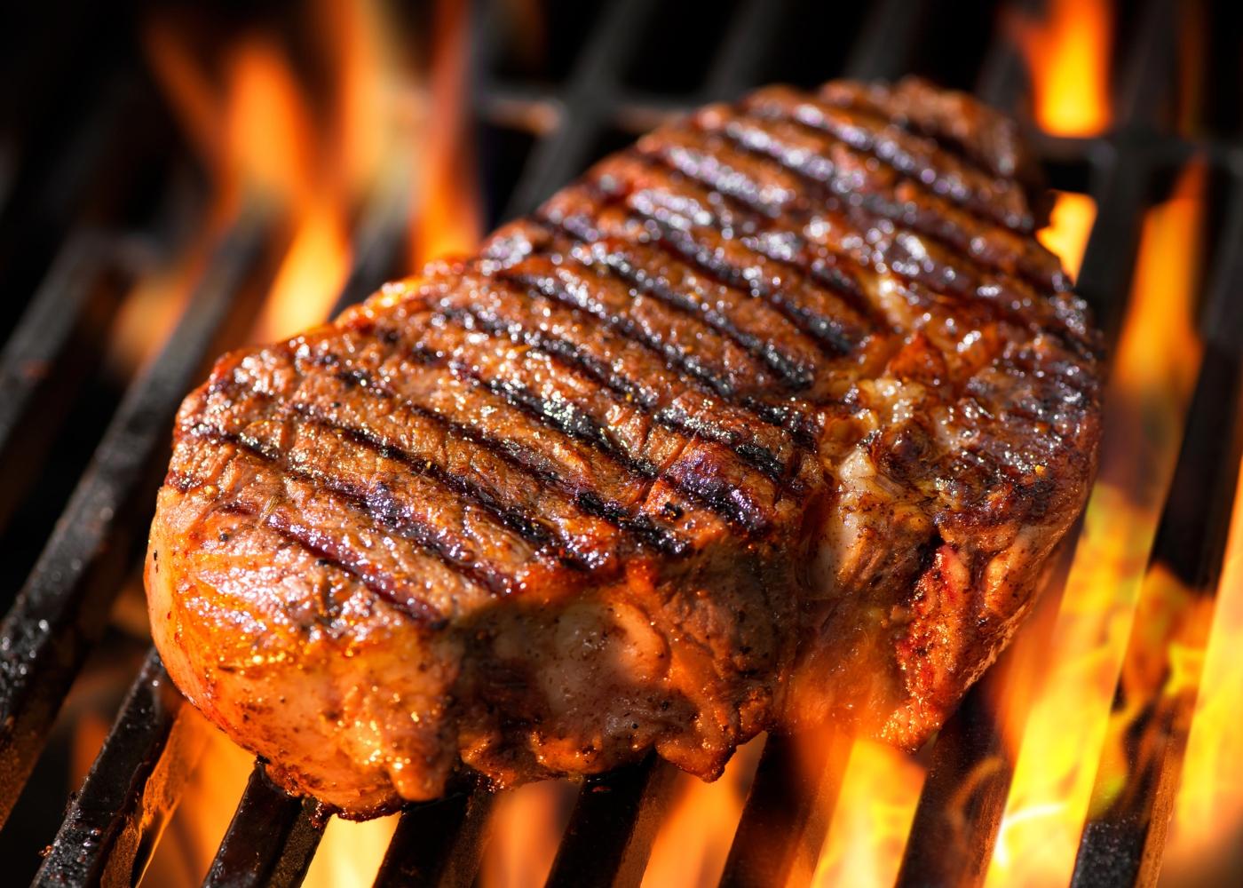 Posta de carne a assar na grelha