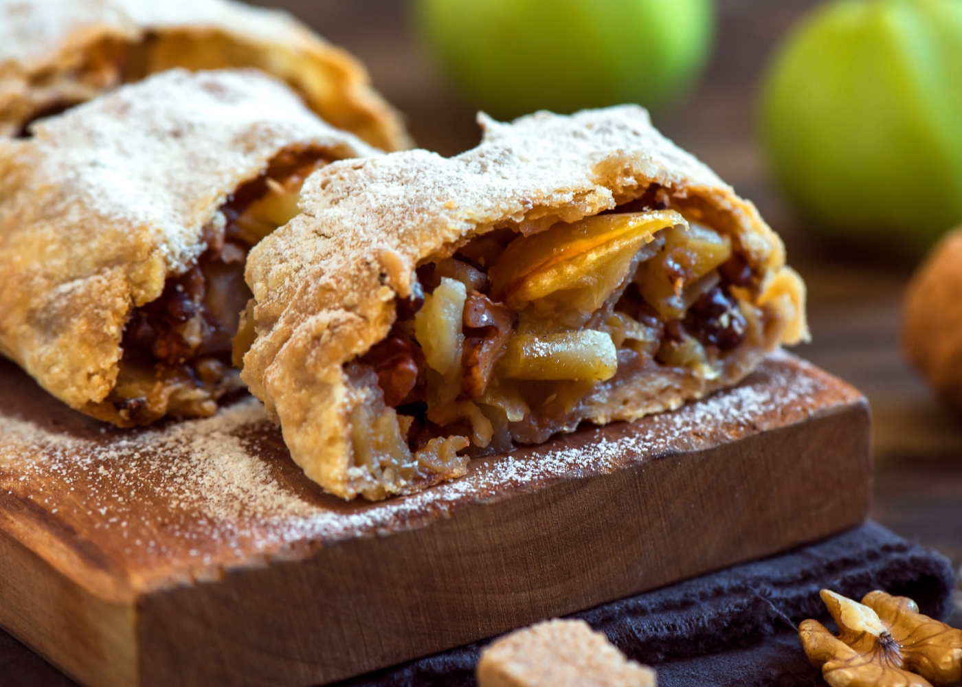 receita de tarte de maçã, passas e nozes