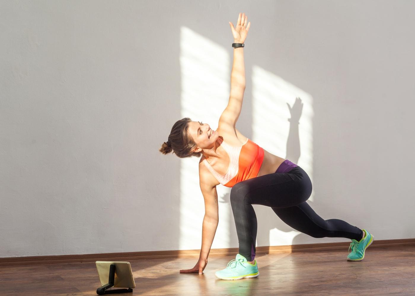 Mulher a fazer o World's Greatest Stretch