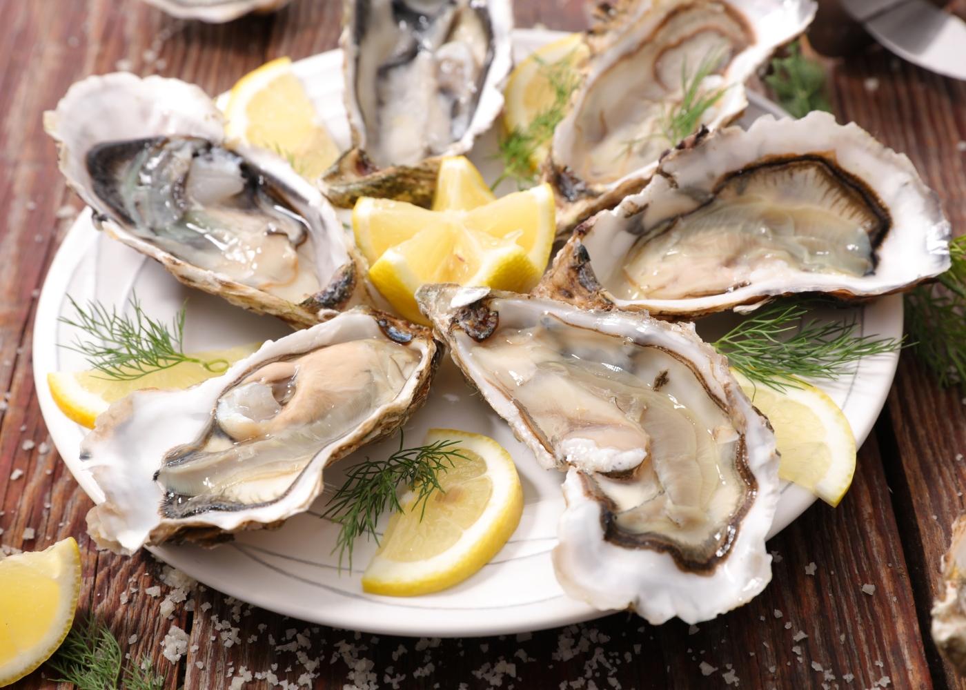 ostras com molho de gengibre