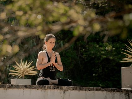 Inez Aires Meditação e Yoga