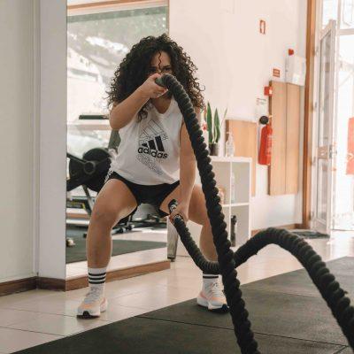 mulher a praticar atividade física